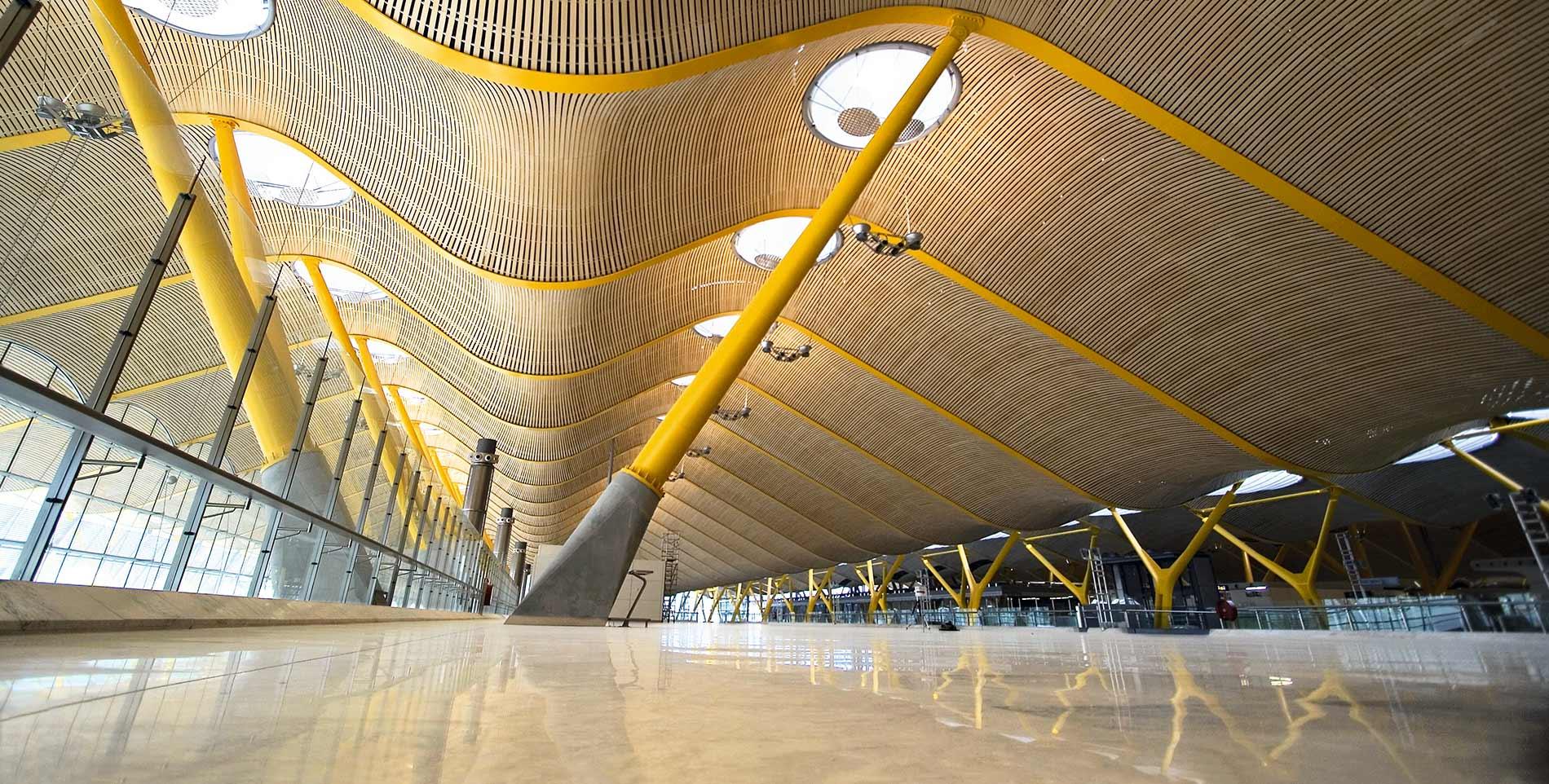 Terminal 4 aeropuerto adolfo su rez madrid barajas - Terminal ejecutiva barajas ...